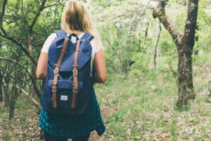 W jaki sposób nosić plecak worek?